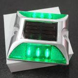 Le double dégrossit lampe solaire du dock DEL de borne de goujon de route