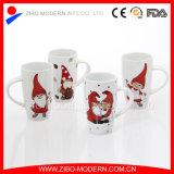 De Ceramische Mok van het steengoed met de Druk van Kerstmis