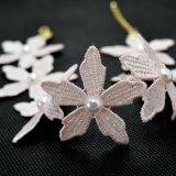 Белая розовая Handmade перла резьбы вязания крючком цветет ожерелье чокеровщика