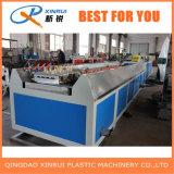 Één Machines van de Uitdrijving van pvc van de Stap Plastic Houten