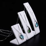 Stand réglé de bijou acrylique, support de collier