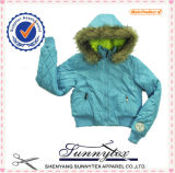 Usure de jupe de l'hiver de bébé avec le capot