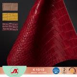 光沢のあるわにパターンはワニプリントファブリック穀物PVCのどの革を浮彫りにした