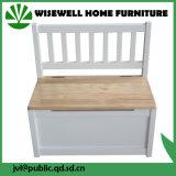 Tabela e cadeira de madeira das crianças da mobília
