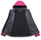 Куртка раковины Breathable ткани Moutaineering утеса мягкая напольная