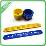 2016 Wristbands de la palmada de la mano del producto más nuevo con insignia modificada para requisitos particulares