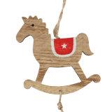 Ornamenti d'attaccatura di natale di legno per la decorazione di natale o alberi in azione
