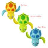 L'animal nouveau-né de Blessure-vers le haut de tortue de bain de bébés badine le jouet de Bath