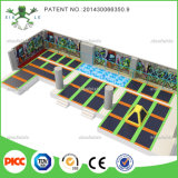 大きいIndoor PlaygroundおよびKids Indoor Trampoline Bed