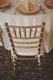 Cushion를 가진 쌓을수 있는 Wood Chiavari Restaurant Chair