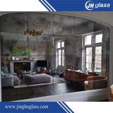 Decoración europea antigua del hogar del espejo