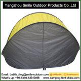 منافس من الوزن الخفيف [سون] مأوى يفرقع فوقيّة يخيّم شاطئ فوق خيمة