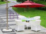 PET Rattan-im Freien Tisch und Stuhl-Set, bequemer Garten