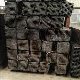 ASTM A500 gr. una tubazione rettangolare nera del metallo con la superficie dell'olio