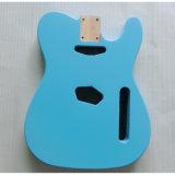 ニトロ終了する音波の青2部分のAlderの遠いギターボディ