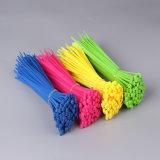 100 paquets relations étroites en nylon auto-bloqueuses de fermeture éclair de serres-câble de 4-6-8-10 pouces