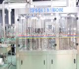 Machine de remplissage de l'eau minérale/ligne
