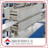 Chaîne de production d'extrusion d'extrudeuse de panneau de plafond de PVC