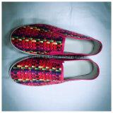 Vlakke Schoenen van de Kleur van meisjes de Heldere voor de Zomer op School