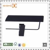 Вешалка черноты высокой ранга пластичная с зажимом для кальсон
