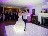 自由な出荷12*12blackおよび結婚披露宴の装飾のための白いLEDのStarlitダンス・フロアDJ LED敏感なライト