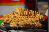La sartén vendedora caliente que fríe la máquina para la patata de las virutas/la correa continua saltara la sartén Tszd-40 del alimento de bocado del cacahuete