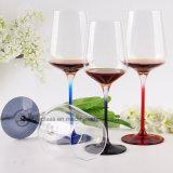 Gobelet clair en verre de cannelure de Champagne pour le vin rouge