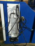 Posto de gasolina uma bomba de gasolina do modelo do veículo