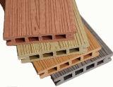 Fabricante composto plástico de madeira ao ar livre do revestimento do revestimento WPC de China