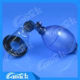 Maschera di ossigeno dei prodotti animali con il sacchetto del bacino idrico