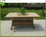 호화스러운 옥외 가구 호텔 고리 버들 세공 정원 등나무 테이블 및 의자
