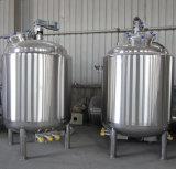 액체 주스 또는 우유를 섞기를 위한 교반기 탱크