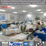 Nichtgewebter Labormantel/-overall mit Haube für Krankenhaus/Fabrik
