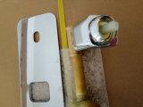 Bronze contínuo dos produtos do banheiro no misturador da bacia da montagem da parede