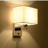 indicatore luminoso moderno delle lampade dei ripari della parete dell'acciaio al cromo 1-Light con lo schermo del tessuto per la camera da letto/lato del letto dell'hotel