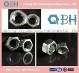 Porcas Hex (ISO 4032, aço de carbono, Cl. 6/8/10)