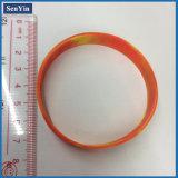 Pulseras de cadena del silicón trenzado de la conexión de la torcedura con insignia impresa