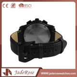 La montre de type d'acier inoxydable de cuir des hommes neufs de quartz