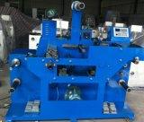 Machine de découpage rotatoire avec le commutateur de pied