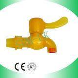 O PVC bate para a fonte de água