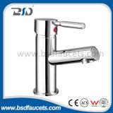 Высокая шея Chromed Faucet раковины смесителя кухни установленный палубой латунный