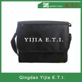 Schwarzer Farben-Kurier-Beutel mit Zippered äußerer Tasche