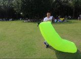 最も新しい空気ベッドの膨脹可能なバナナの不精なソファーのLamzac袋