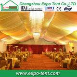 Tente indienne Hall de mariage avec le luxe à l'intérieur de la décoration