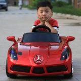 MERCEDES-BENZ scherzt elektrisches Auto, Kind-Auto, Fahrt auf Auto