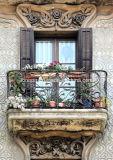 Het openlucht Antieke Traliewerk van het Balkon van het Koper van de Stijl Donkere