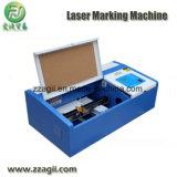 Grabado del laser del ordenador y cortadora que introducen automáticos