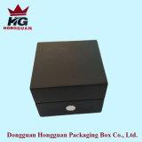 Il contenitore di monili di legno del lato nero del metallo