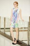 Dünner Sitz-Sleeveless Schaltkleid mit vorderem Schlüsselloch Digital-Plazierungs-Druck-im Polysatin-Kleid