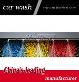 Uso automático do equipamento da limpeza do carro na loja da lavagem de carro